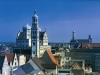 Rathaus mit dem Perlach Turm - im Hintergrund St. Ulrich